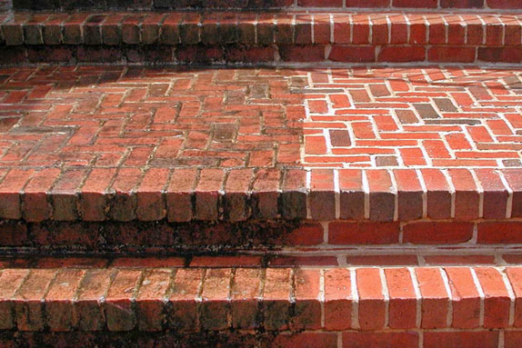 House Cleaning Cleaning Brick House Exterior